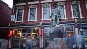 Памятник пьянице Гэсси Джеку
